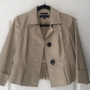 Tan blazer (missing belt), 3/4 cut sleeves.